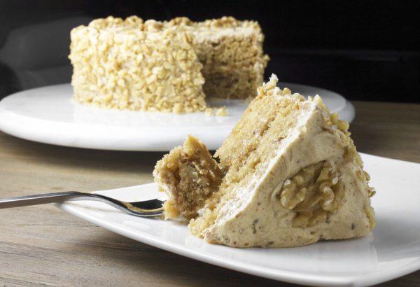 Ořechový dort s krémem
