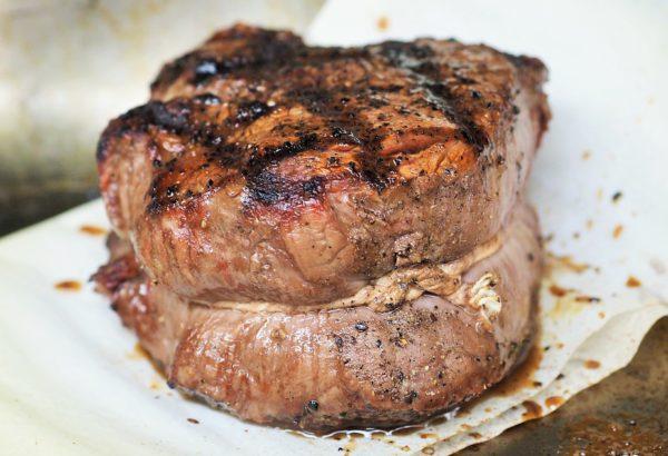 Hovězí steak na čokoládě