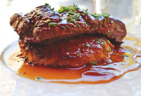 Hovězí steak s těstovinovou rýží
