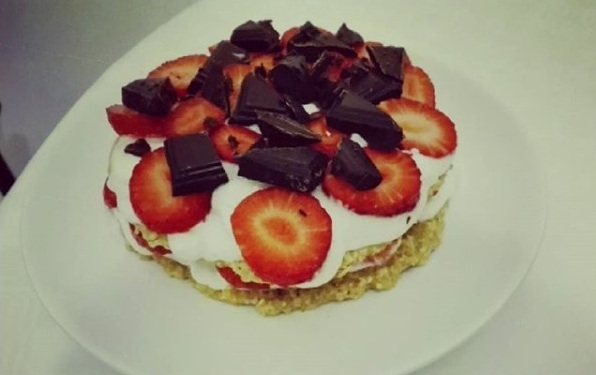 Ovesný jahodový dort