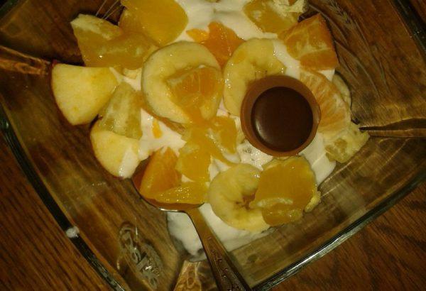 Šlehačkovo-ovocná miska