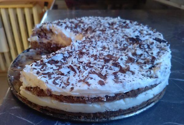 Narozeninový dort s tvarohem a pudinkem