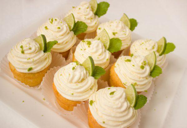 Vanilkové muffiny se smetanovým krémem