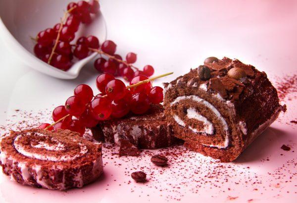 Čokoládovo-šlehačková roláda