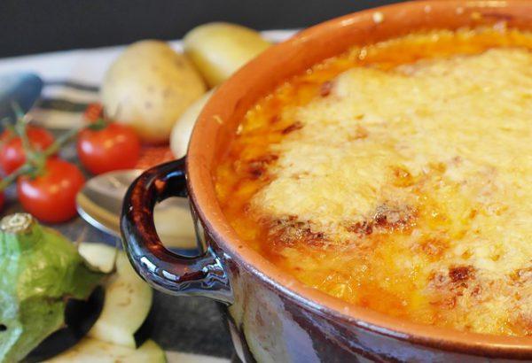 Bramborový guláš se sýrem
