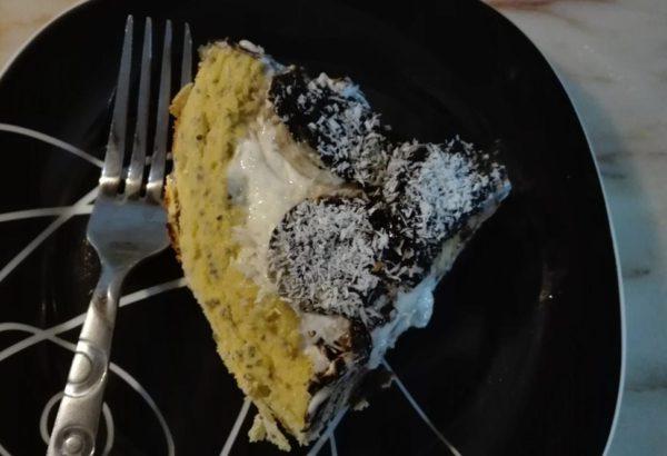 Zdravý banánovo-kokosový dortík