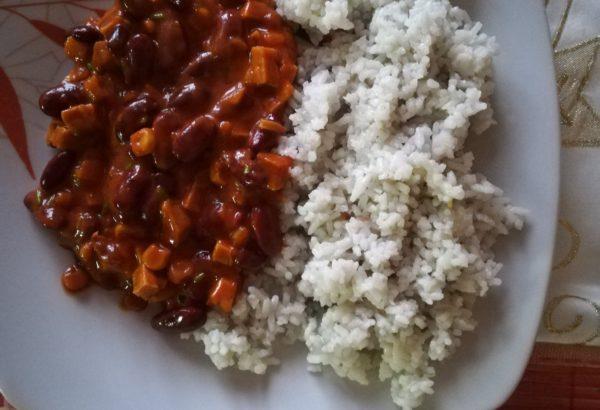 Vegetariánská mexická směs s tempehem a rýží