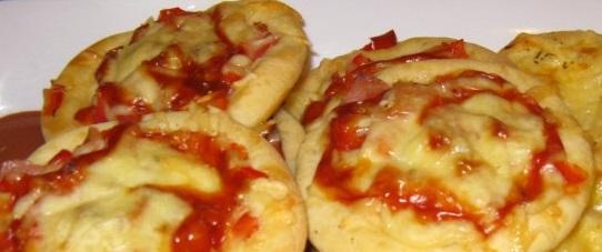 Mini pizza z kynutého těsta