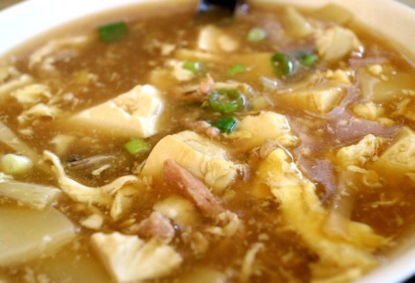 Zelná polévka s párkem