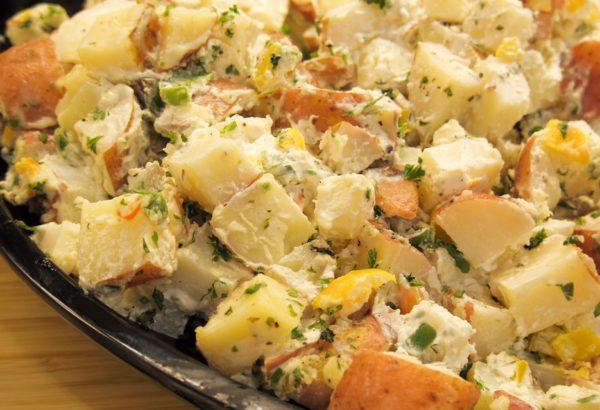 Fazolový salát s bramborem